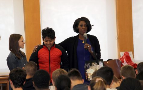 New York 1 anchor Cheryl Wills shares stories of fighting for what's right and discovering roots with 7th grade