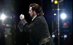 Opera singer Matthew Polenzani of Pelham brings balance to the stage life